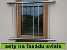 zábradlí na francouzské okno se svislou výplní
