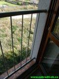 Nerezové zábradlí do oken, mezi špalety 700mm